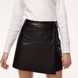 Aritzia Wilfred Free Vegan Leather Spurlock Skirt